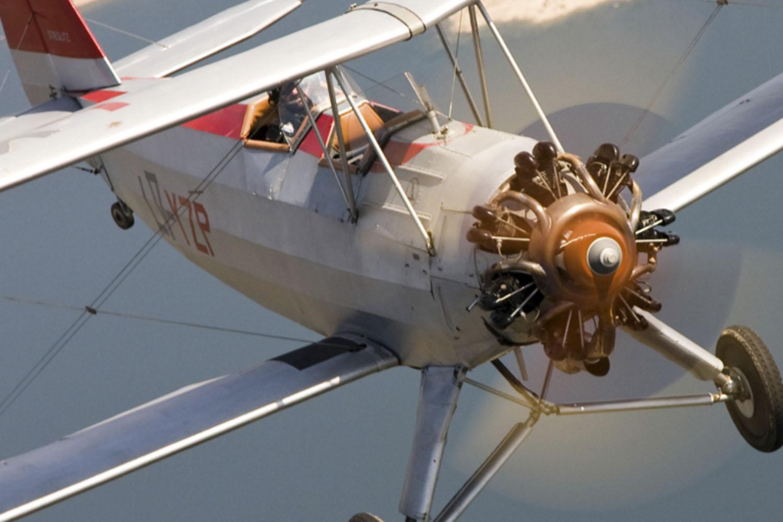 Exhibición de vuelo de aviones históricos