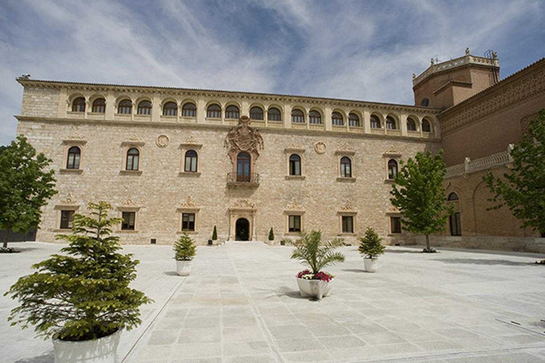 Recorre el Palacio Arzobispal de Alcalá de Henares